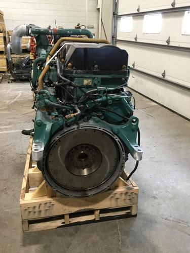VOLVO D-13 Engine Assembly